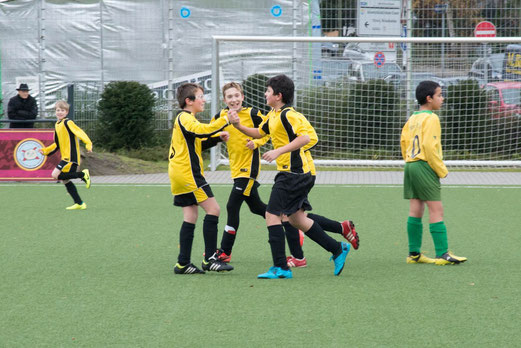 Zweiter Sieg in Folge: TuS D2-Jugend im Heimspiel gegen die D3 des FC Karnap. - (Foto: r.f.).