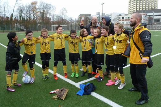 TuS E1-Jugend: Zum dritten Mal hintereinander Gruppenbester in der E-Jugend. - Fotos: mal.