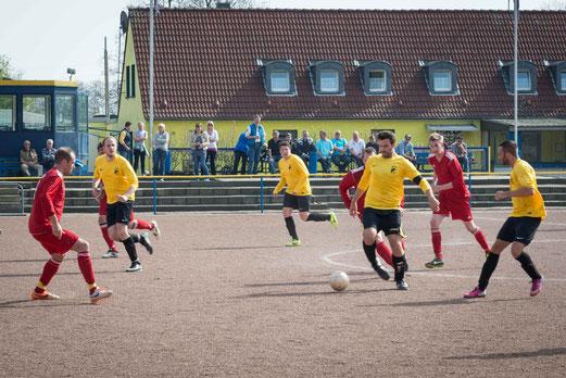 Zweite Mannschaft an der Cathostraße. - (Foto: r.f.).