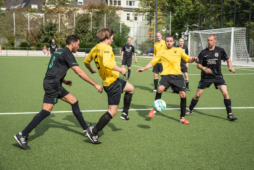 TuS 3. Mannschaft gegen SV 93/09 Borbeck 2 (5:2), Pelmanstraße, 28.09.2014. - Foto: r.f.