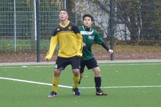 Am Ende noch einmal spannend: TuS B-Jugend im Heimspiel gegen den FC Stoppenberg. - (Foto: mal).
