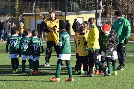 E2-Jugend beim Testspiel gegen die F3 von TuSpo Saarn, Pelmanstraße, 21.01.2017. - Foto: a.s.