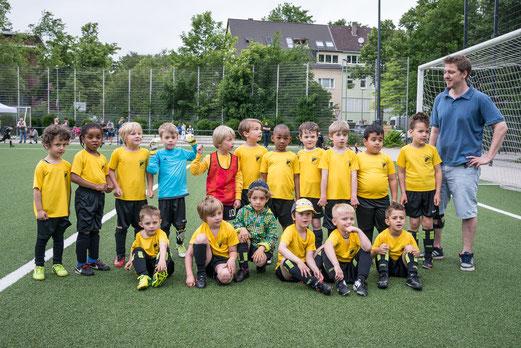 TuS Bambini 1+2, noch als Bambini 3+4 bei den TuS-Turnier-Tagen am 13.06.2015. - Foto: r.f.