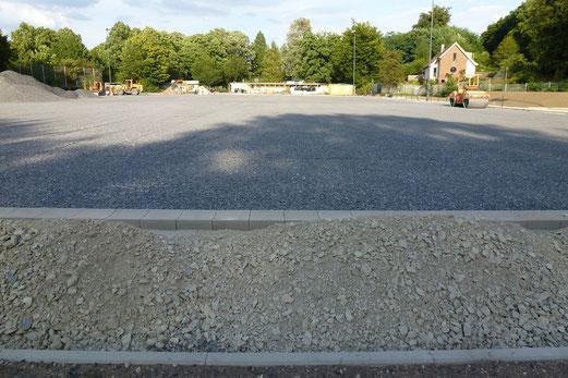 29.08.2012: Schon wieder ein bisschen mehr Sportplatz... (Foto: mal).