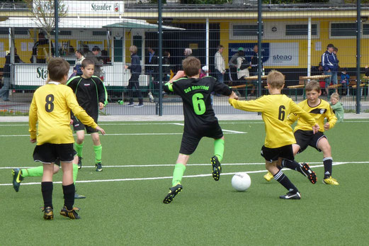 E1-Turnier Finale: Phönix Bochum gewann das Endspiel gegen SuS Haarzopf mit 2:1 (Foto: mal).