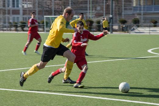 Dreifacher Torschütze Freddi Hein beim Spiel der Zweiten gegen RuWa Dellwig 3. (Foto: r.f.)