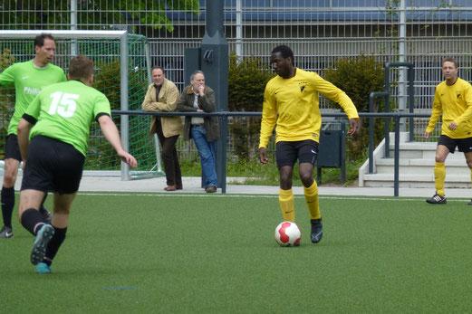 Trug mit einem Tor zum 4:0 Erfolg der AH1 bei: Dodo Dalikou im Spiel gegen eine FFL-Auswahl (Foto: mal).