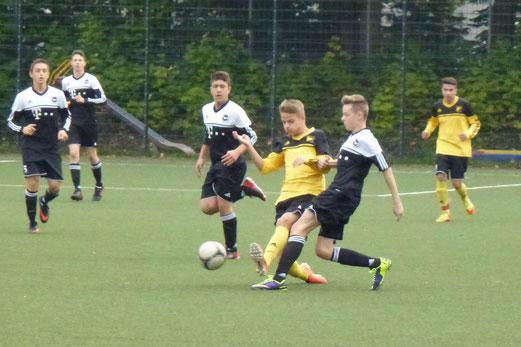 TuS B-Jugend im Auswärtsspiel beim ESC Preußen an der Seumannstraße (Foto: mal).