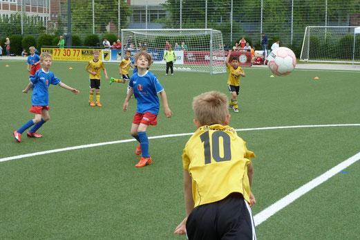 TuS F2-Jugend im Spiel gegen SC Werden-Heidhausen. - Foto: mal.