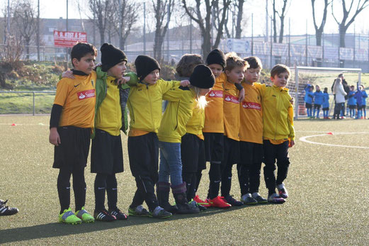 TuS F2-Jugend im Auswärtsspiel bei der F2 des VfB Frohnhausen. - Fotos: mage.