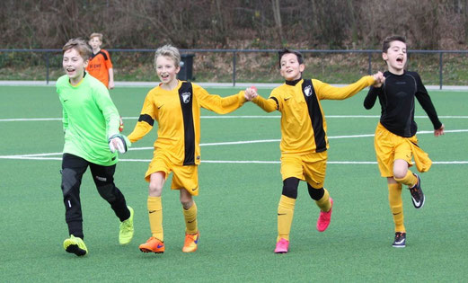 D2-Jugend beim Auswärtssieg in Stoppenberg. - Fotos: p.d.
