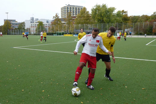 2. Mannschaft im Spiel gegen den SC Türkiyemspor (Foto: mal).