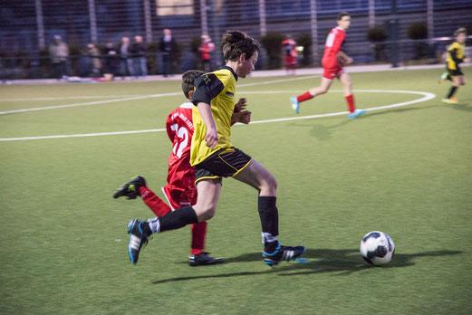 TuS D-Jugend im Spiel gegen TuS Essen-West 81. (Foto: r.f.).