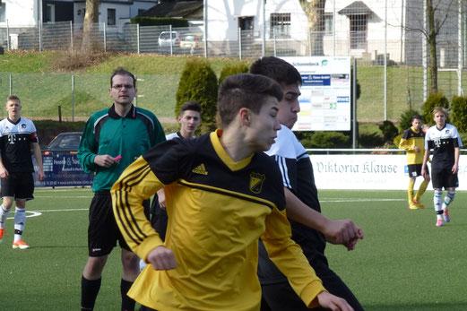 Engagierte Leistung, verdienter Lohn: TuS B-Jugend bei der SpVgg. Schonnebeck. - (Foto: mal).