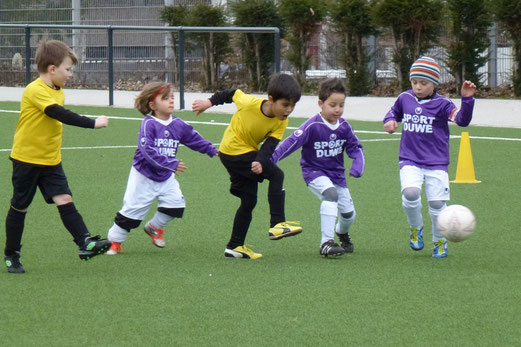 TuS Bambini 1 im Spiel gegen den SV Borbeck. (Foto: mal).