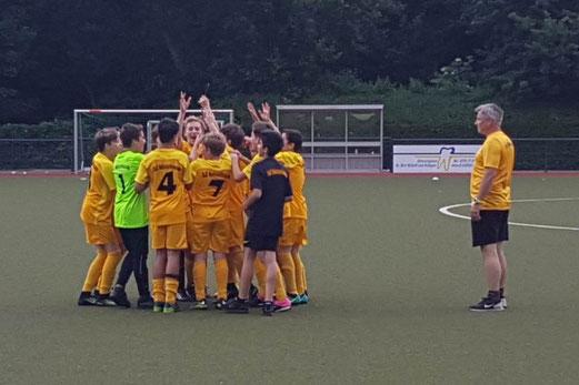 TuS D1-Jugend Turniersieger beim TuSEM. - Fotos: meng.