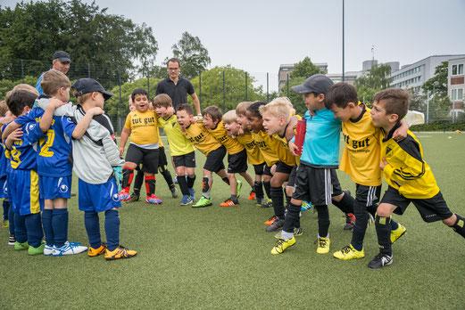 TuS Bambini 2 im Spiel gegen ESG 99/06 2 (0:2). - Foto: r.f.