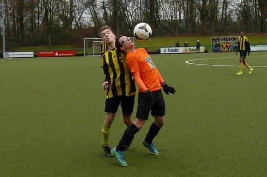 TuS A-Jugend im Auswärtsspiel beim Heisinger SV. - Fotos: mal (1-6), abo (7-8).