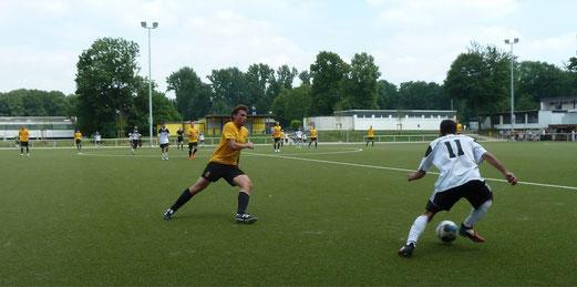 TuS Zweite Mannschaft in Rotthausen. - Fotos: mal.