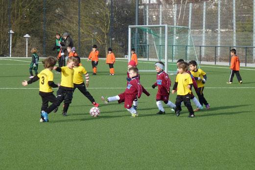 TuS Bambini 2 im Spiel gegen SV Borbeck. (Foto: mal).