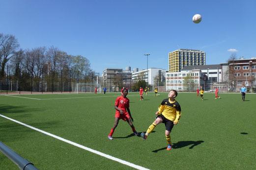 TuS C-Jugend im Heimspiel gegen die C2 von Ballfreunde Bergeborbeck (Foto: mal).
