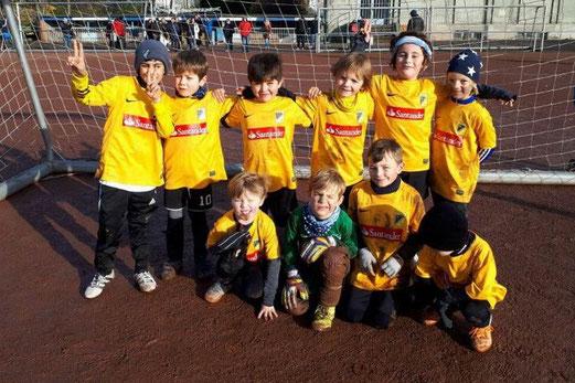 TuS Bambini 1 im Spiel beim SV Borbeck. - Fotos: daar.