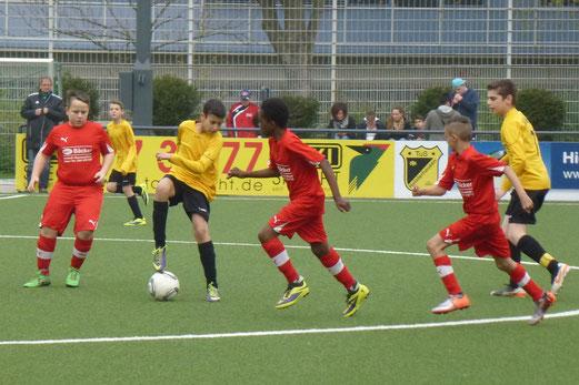 Frühe Führung: TuS D1-Jugend im Heimspiel gegen den SV Borbeck. - (Foto: mal).