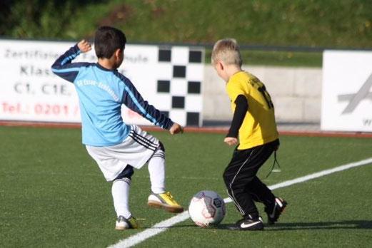 TuS F2-Jugend bei ihren heutigen Testspielen  an der Ardelhütte. - (Foto: p.d.).
