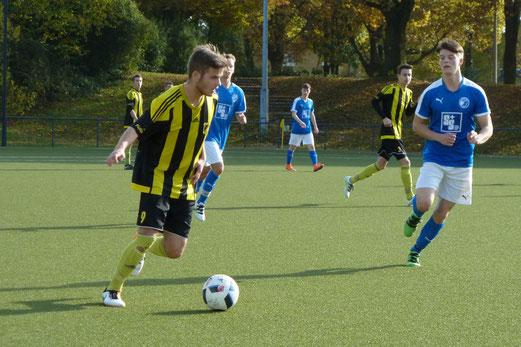 TuS A-Jugend im Auswärtsspiel bei ESG 99/06 an der Hubertusburg. - Fotos: mal.
