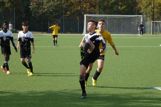 TuS C-Jugend im Heimspiel gegen ESC Preußen 02, Pelmanstraße, 27.09.2014. - Foto: mal.
