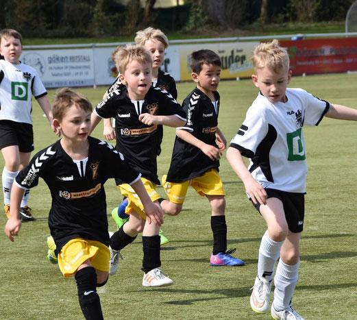 F2 im Freundschaftsspiel gegen die F4 von Adler/Union (Foto Daniele Buck)