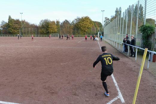 TuS 2. Mannschaft im Auswärtsspiel bei SC Frintrop 05/21 2. - Fotos: mal.