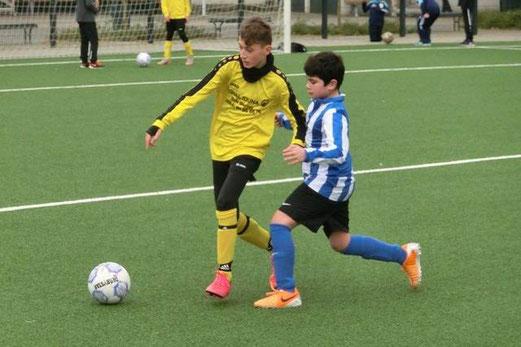 TuS D1-Jugend im Heimspiel gegen SG Altenessen. - Fotos: s.v.g.