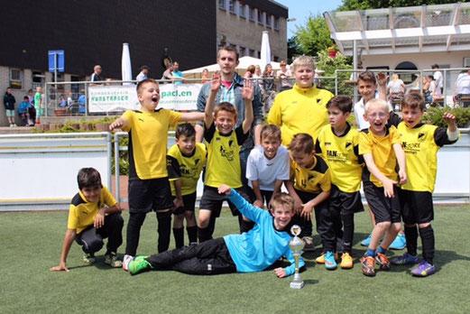 Platz 3 beim Turnier von Sportfreunde Niederwenigern, Burgaltendorfer Str., HAT, 04.06.2015. - Foto: a.k.