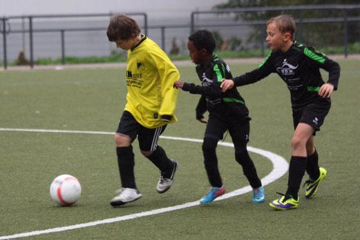 TuS E3-Jugend im Auswärtsspiel in Vogelheim (Foto: p.d.).