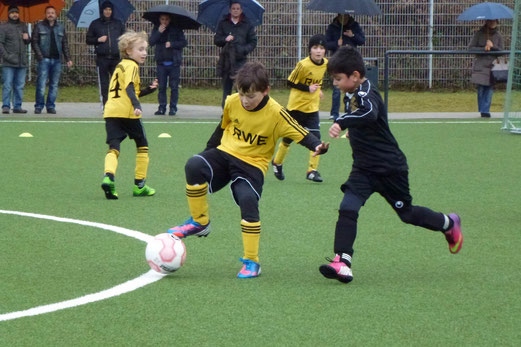 TuS F1-Jugend im Heimspiel gegen den SC Phönix. - (Foto: mal).