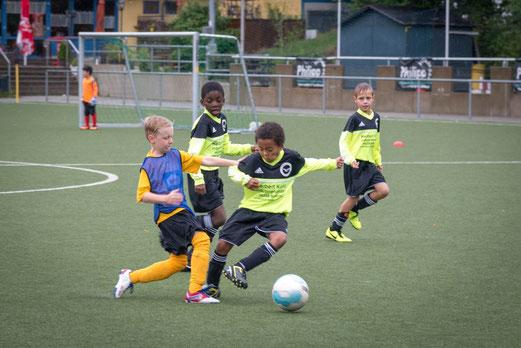 E2-Jugend im Spiel bei der E2 des ESC Preußen an der Seumannstraße (Foto: r.f.).