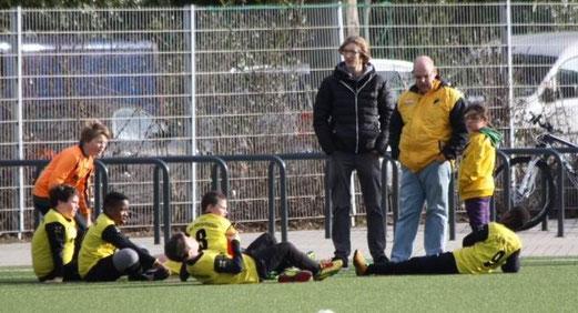 TuS E2-Jugend im Heimspiel gegen die E3 der SpVgg. Schonnebeck. - (Foto: p.d.).