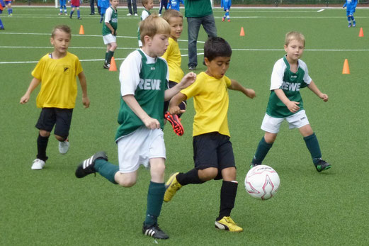 Bambini 1 Treff: TuS Bambini 1 im Spiel gegen den FC Stoppenberg (Foto: mal).