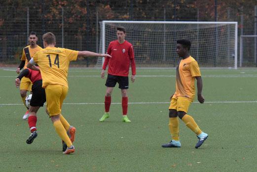 TuS B-Jugend im Spiel gegen SpVgg. Steele 03/09. - Fotos: ings.