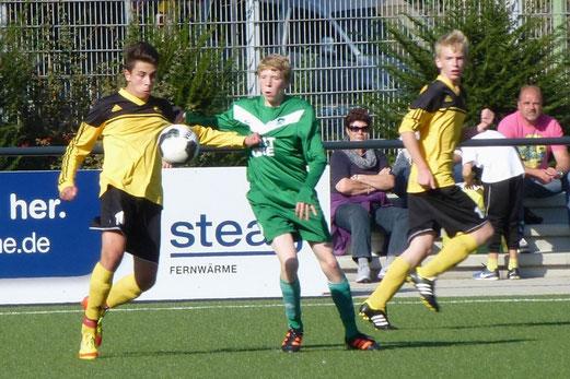 TuS B-Jugend im Spiel der Leistungsklasse gegen SpVgg. Schonnebeck (Foto: mal).