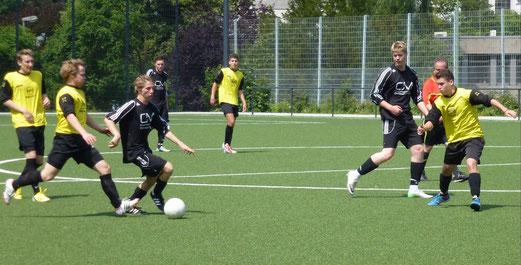 TuS A-Jugend im Testspiel gegen SpVgg. Sterkrade-Nord (Foto: mal).
