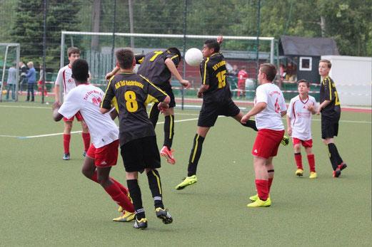 Überflüssiges Aus nach den Gruppenspielen: C-Jugend beim Turnier des TuSEM am Fibelweg. - (Foto: abo).