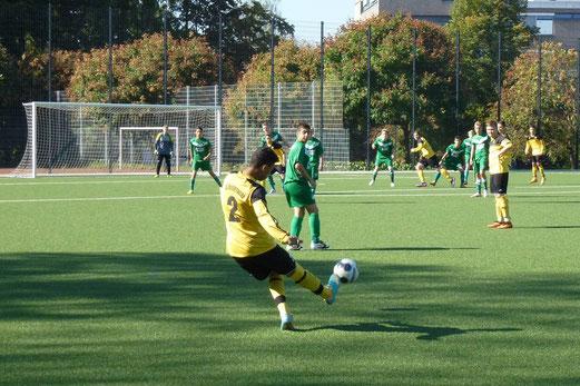 TuS B-Jugend im Spiel gegen SpVgg. Schonnebeck (Foto: mal).