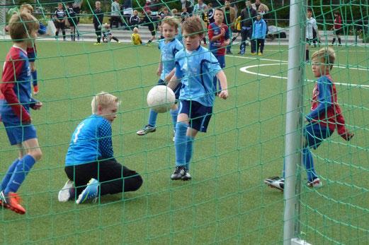 F1-Jgd. Turnier Finale: SC Werden-Heidhausen - Viktoria Resse 75 (Foto: mal).