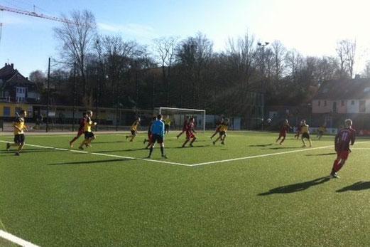 TuS B-Jugend im Testspiel gegen Glück-Auf Sterkrade. - (Foto: meloh).