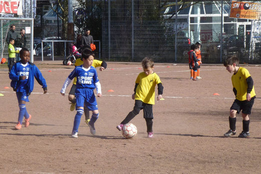 TuS Bambini 1 im Spiel gegen Tgd. Essen-West (Foto: mal).