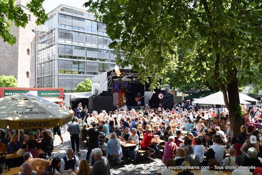 Concert dans le centre de Munich pour célèbrer la naissance de la ville.