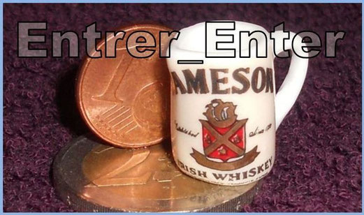 Mon plus petit pichet à whisky : 17 mm __________________ My smallest whisky jug : 0.67 in ________________________