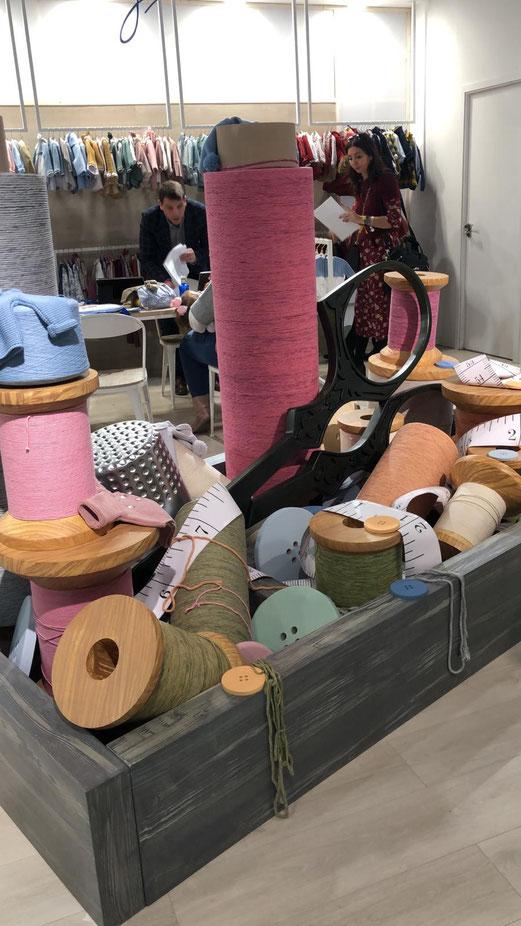 Cajón de Sastre GIGANTE, como decoración para Stand Ferial